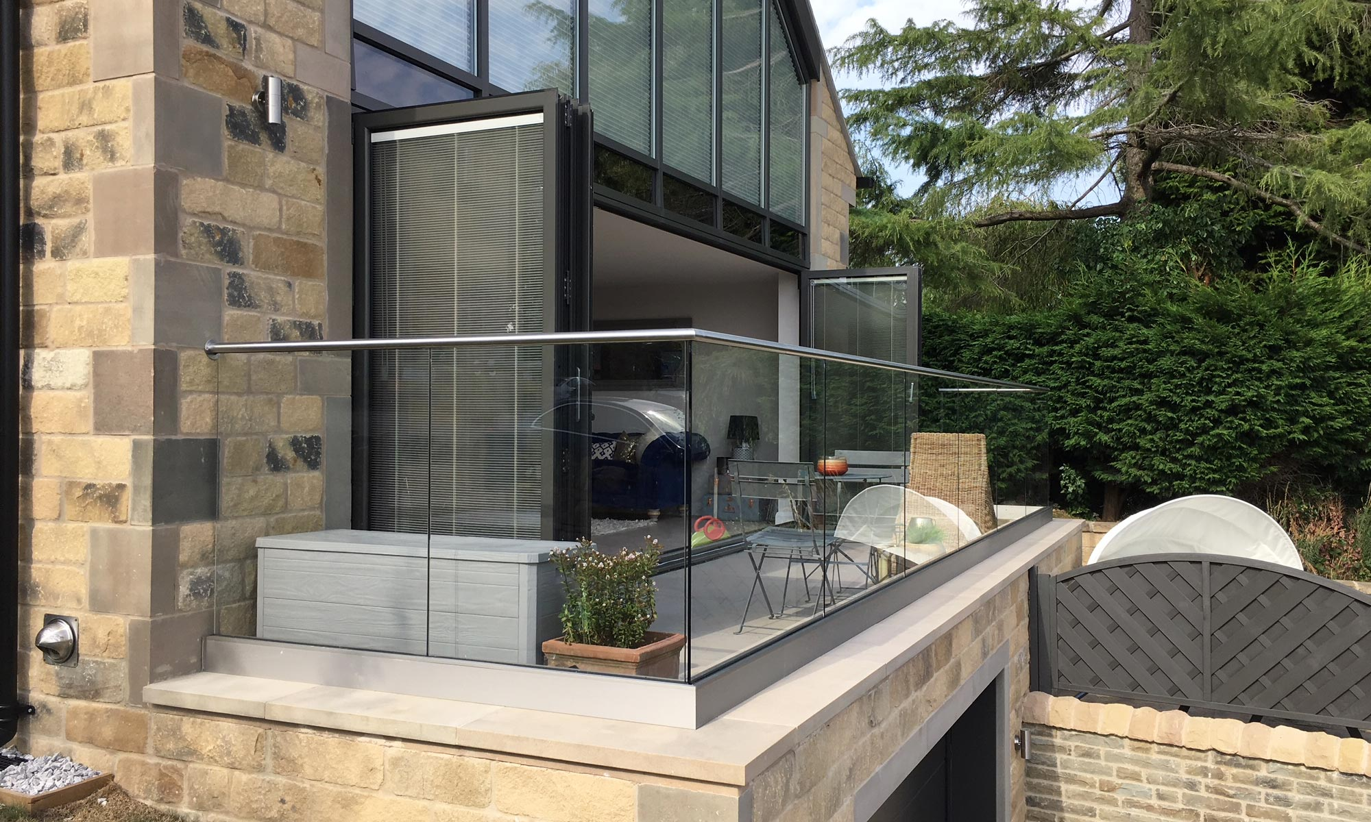Balcony with stainless steel balustrade